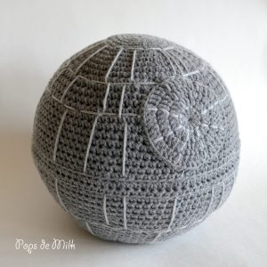 Death-Star-Pops-de-Milk-shrunk-1024x1024