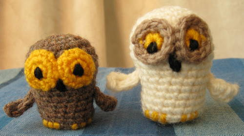 73374_06Feb10_Bazaar_Owls