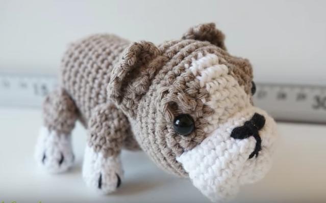 Amigurumis Patrones Gratis En Español Perros : Patrón gratis amigurumi de perro bulldog de canal crochet