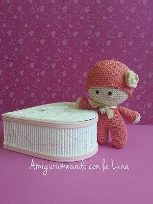 Bonequinha de crochê Yoyo - Boneca amigurumi fantasiada! | 400x300